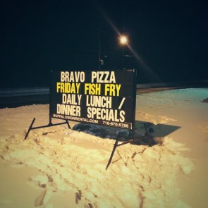 Bravo Pizza Sign